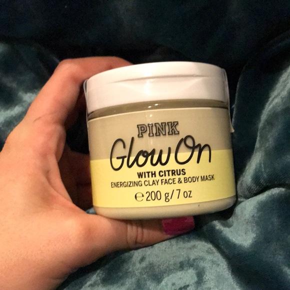 527781763ff0a NWT Victoria's Secret PINK Glow On clay mask NWT